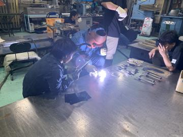 """[焊接+绘画+木材切割]现场体验手工艺!由工程师制作的""""小货架"""""""
